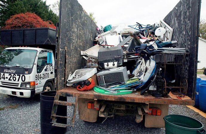Junk Hauling-Savannah Dumpster Rental & Junk Removal Services-We Offer Residential and Commercial Dumpster Removal Services, Portable Toilet Services, Dumpster Rentals, Bulk Trash, Demolition Removal, Junk Hauling, Rubbish Removal, Waste Containers, Debris Removal, 20 & 30 Yard Container Rentals, and much more!