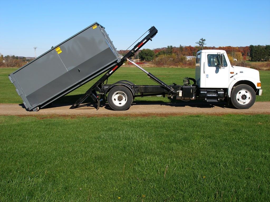 Roll Off Dumpster-Savannah Dumpster Rental & Junk Removal Services-We Offer Residential and Commercial Dumpster Removal Services, Portable Toilet Services, Dumpster Rentals, Bulk Trash, Demolition Removal, Junk Hauling, Rubbish Removal, Waste Containers, Debris Removal, 20 & 30 Yard Container Rentals, and much more!