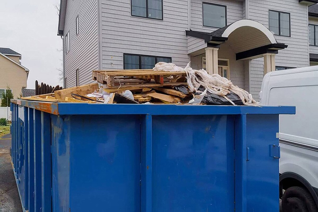 Services-Savannah Dumpster Rental & Junk Removal Services-We Offer Residential and Commercial Dumpster Removal Services, Portable Toilet Services, Dumpster Rentals, Bulk Trash, Demolition Removal, Junk Hauling, Rubbish Removal, Waste Containers, Debris Removal, 20 & 30 Yard Container Rentals, and much more!